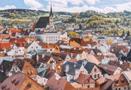 Obec : Český Krumlov - pohled na město s kostelem sv. Víta - foto z r. 2016 (neznámý autor)