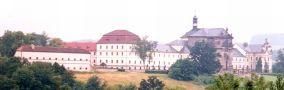 Zámek : Kuks - pohled na zámecký areál - foto z r. 1999