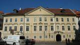 Palác : Ledeburský palác - průčelí paláce - foto z 2. 4. 2005