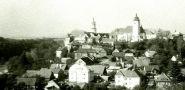 Zámek : Nové Město nad Metují - pohled na město se zámkem - foto z r. 1991