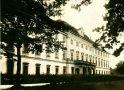 Zámek : Ohrada - zámek - pohlednice z 20. či 30. let 20. st. (soukromá sbírka)