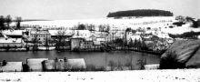 Tvrz : Popovice - pohled na obec s tvrzí - foto ze 70. - 80. let 20. st.