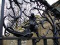 Hrad : Budyně nad Ohří - detail ze vstupní brány do hradního lapidária - foto z 8. 4. 2007