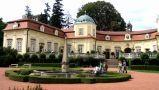 Zámek : Buchlovice - pohled na tzv. horní zámek - foto srpen 2006
