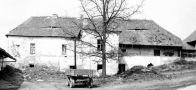 Tvrz : Mlékovice - pohled na tvrz - foto ze 70. - 80. let 20. st.