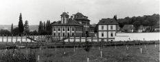 Zámek : Troja - pohled na zámek z parku - foto z r. 1989