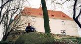 Hrad : Vysoký Chlumec - pohled na hradní palác - foto z r. 2001