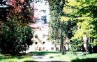Zámek : Zálužany - pohled na zámek přes park - foto z r. 1998