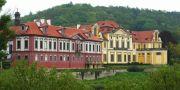 Zámek : Zbraslav - pohled na klášterní areál - foto z 18. 5. 2005