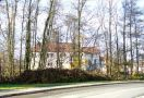 Zámek : Dolní Břežany - pohled na zámek od východu - foto z 9. 11. 2008