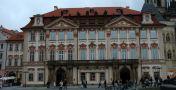 Palác : Goltz-Kinských palác - průčelí paláce - foto z 18. 5. 2005