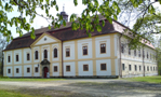 Zámek : Chotěboř - pohled na zámek od severozápadu - foto z 19. 4. 2014