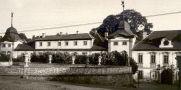 Zámek : Manětín - zámek - převzato: 'kolektiv, Hrady, zámky a tvrze v Čechách, na Moravě a ve Slezsku IV., Praha 1985, s. 206 (foto J. Nechvátal)'