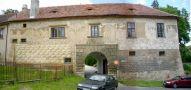Zámek : Staré Hrady - vstup do zámeckého areálu - foto z r. 2007