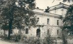 Zámek : Úmonín - zámek - převzato: 'kolektiv, Hrady, zámky a tvrze v Čechách, na Moravě a ve Slezsku VI., Praha 1989, s. 512 (foto V. Hyhlík)'