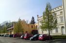 Zámek : Filipov - pohled od severu na zámek s hospodářkou budovou - foto z 19. 4. 2014