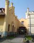Zámek : Filipov - vstup do hospodářské části zámku - foto z 19. 4. 2014