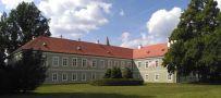 Zámek : Kladruby nad Labem - pohled na zámek od jihovýchodu - foto z 9. 6. 2016
