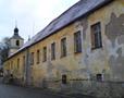 Zámek : Braník - severní průčelí dvora (Jiskrova ul.) - foto z 23. 1. 2018
