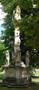 Zámek : Břežany - sloup sv. Trojice (r. 1714) v dolní části parku - foto z 16. 6. 2014