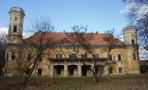 Zámek : Dolní Beřkovice - pohled na zámek od jihu - foto ze 25. 2. 2012 (převzato: Ondřej Kališ)