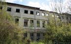 Zámek : Horní Dlouhá Loučka - zachycení havarijního stavu objektu - foto ze 30. 4. 2015 (převzato: Simona Kobylková)