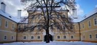 Zámek : Litvínov - jižní průčelí zámeckého nádvoří - foto z 15. 1. 2017